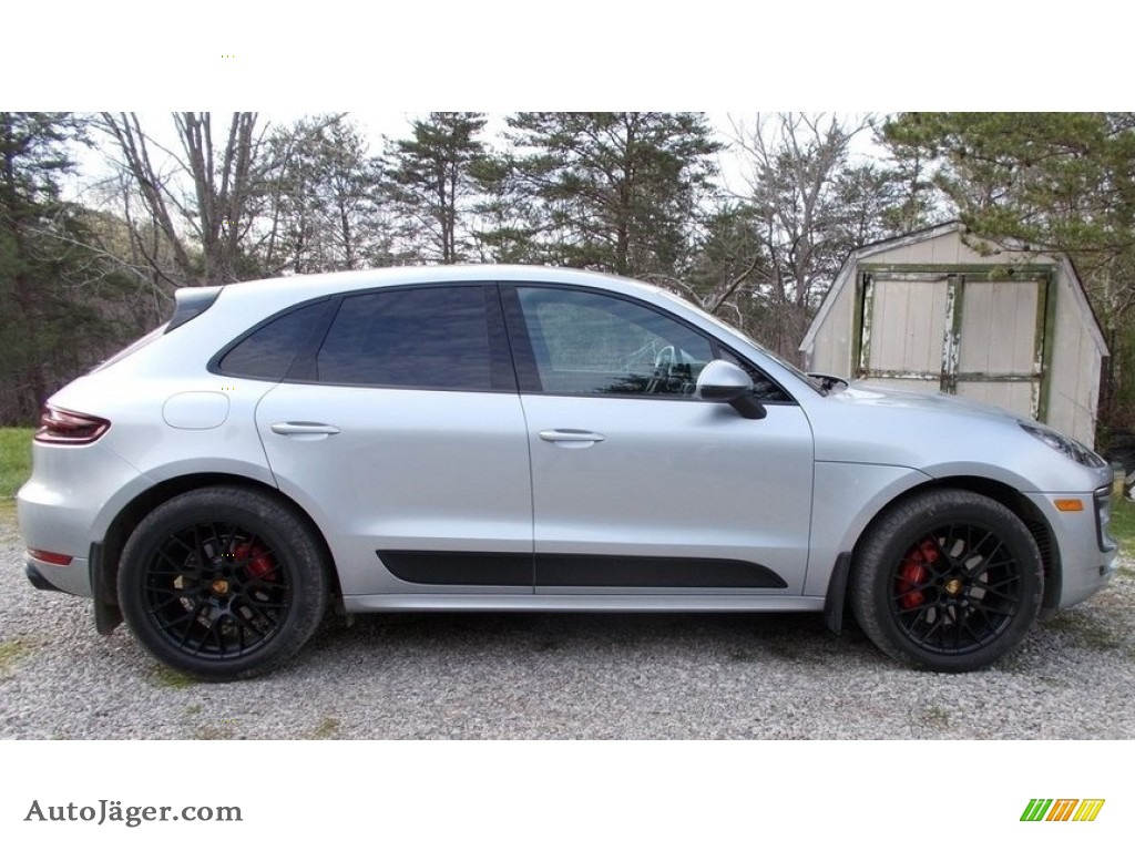 2017 Macan GTS - Rhodium Silver Metallic / GTS Black photo #1