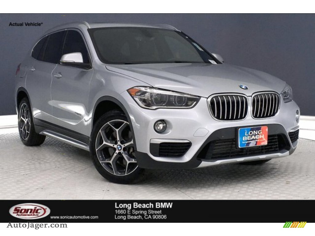 2016 X1 xDrive28i - Glacier Silver Metallic / Black photo #1