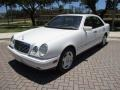 Mercedes-Benz E 420 Sedan Polar White photo #1