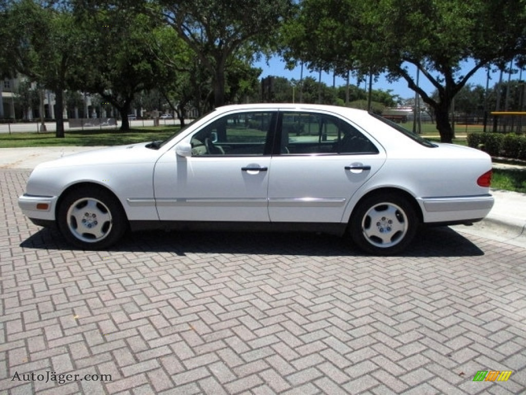 1997 E 420 Sedan - Polar White / Parchment photo #3