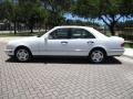 Mercedes-Benz E 420 Sedan Polar White photo #3