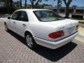 Mercedes-Benz E 420 Sedan Polar White photo #5