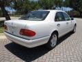 Mercedes-Benz E 420 Sedan Polar White photo #9