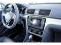 Volkswagen Passat S Sedan Reflex Silver Metallic photo #17