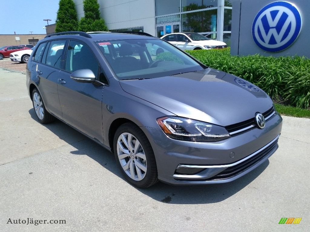 2019 Golf SportWagen SE - Platinum Gray Metallic / Titan Black photo #1
