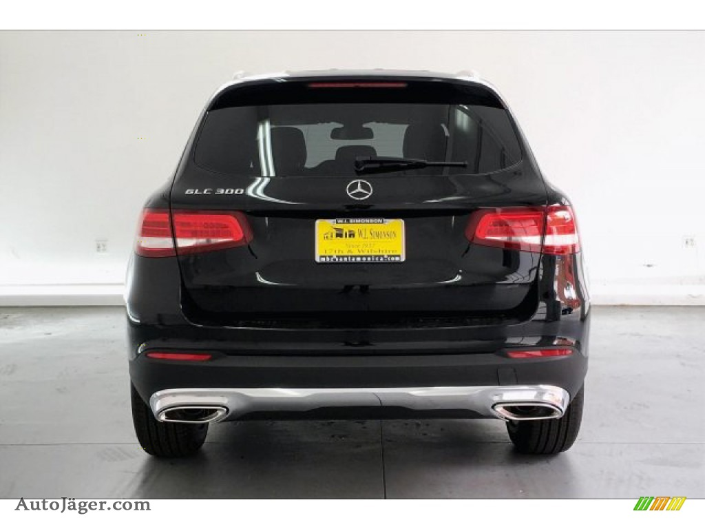 2019 GLC 300 - Black / Black photo #3