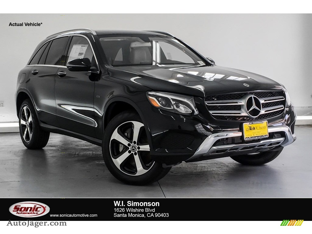 Black / Silk Beige/Black Mercedes-Benz GLC 350e 4Matic