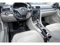 Volkswagen Passat SE Platinum Gray Metallic photo #11