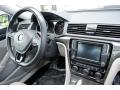 Volkswagen Passat SE Platinum Gray Metallic photo #19
