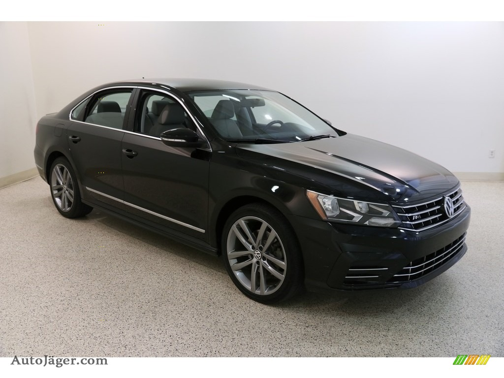 2016 Passat S Sedan - Black / Moonrock Gray photo #1