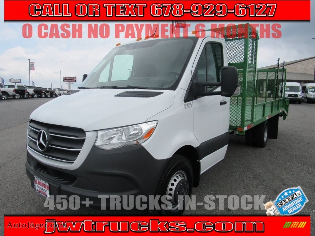 Arctic White / Black Mercedes-Benz Sprinter 4500 Cab Chassis