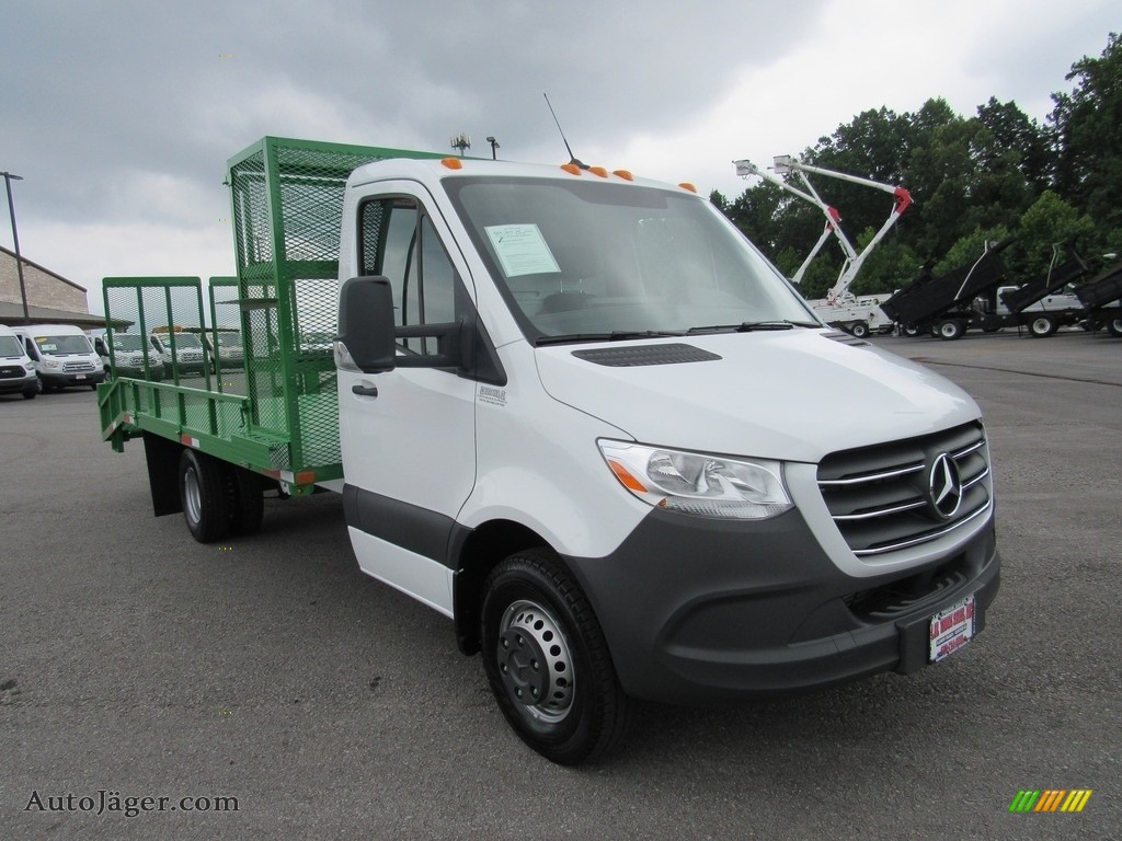 2019 Sprinter 4500 Cab Chassis - Arctic White / Black photo #7