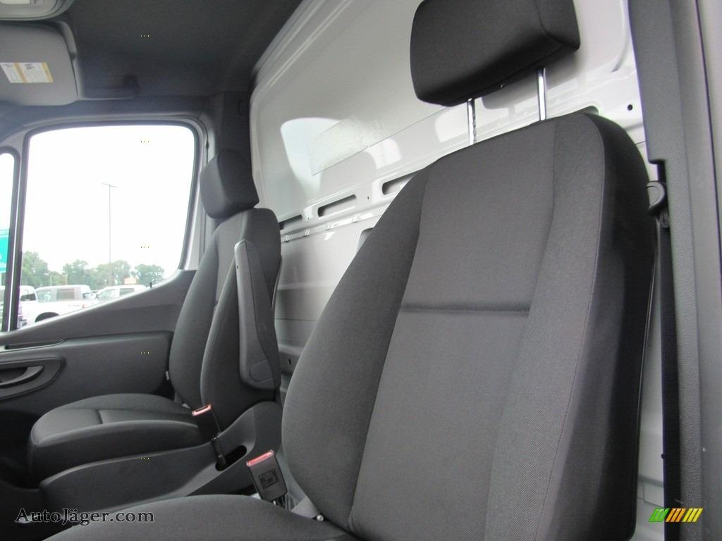 2019 Sprinter 4500 Cab Chassis - Arctic White / Black photo #22