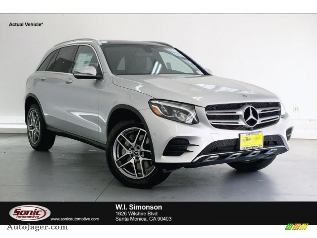 Iridium Silver Metallic / Black Mercedes-Benz GLC 300