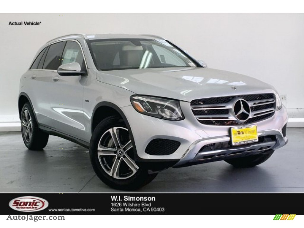 2019 GLC 350e 4Matic - Iridium Silver Metallic / Silk Beige/Black photo #1