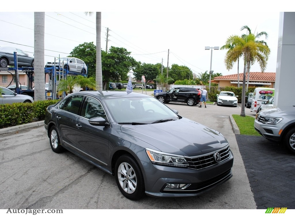 2016 Passat S Sedan - Platinum Gray Metallic / Moonrock Gray photo #1