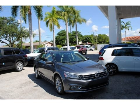 Platinum Gray Metallic 2016 Volkswagen Passat S Sedan