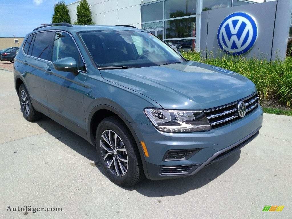 2019 Tiguan SE 4MOTION - Stone Blue Metallic / Titan Black photo #1