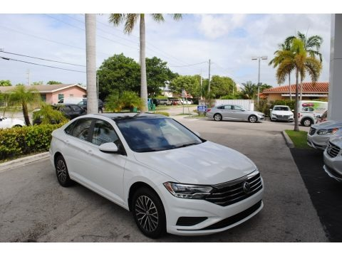 Pure White 2019 Volkswagen Jetta SE