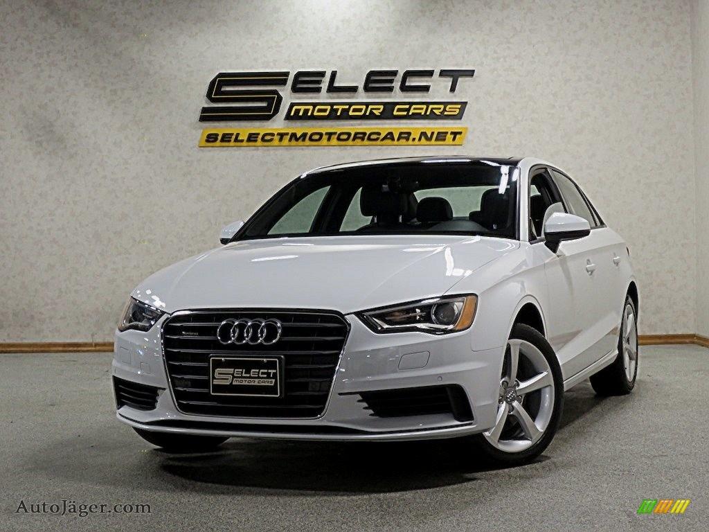 Glacier White Metallic / Black Audi A3 2.0 Premium quattro