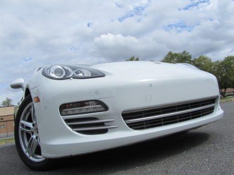 Carrara White 2013 Porsche Panamera 4 Platinum Edition