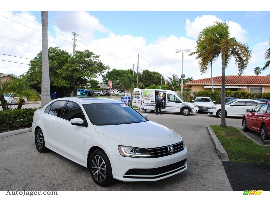 2017 Jetta SE - Pure White / Cornsilk Beige photo #1