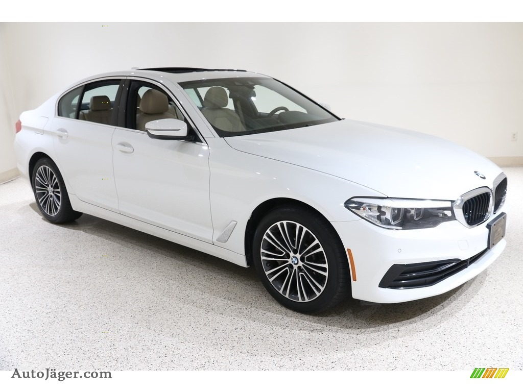 2019 5 Series 530i xDrive Sedan - Alpine White / Canberra Beige/Black photo #1