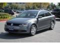 Volkswagen Jetta SE Sedan Platinum Gray Metallic photo #4