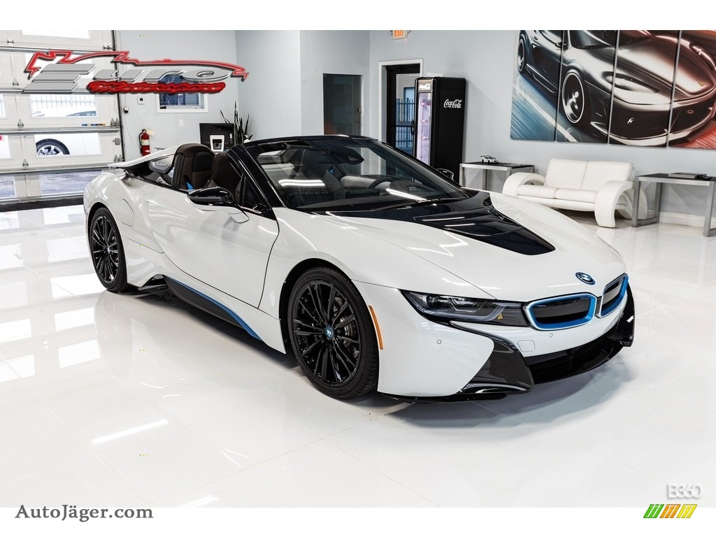 2019 i8 Roadster - Crystal White Pearl Metallic / Tera Exclusive Dalbergia Brown photo #1