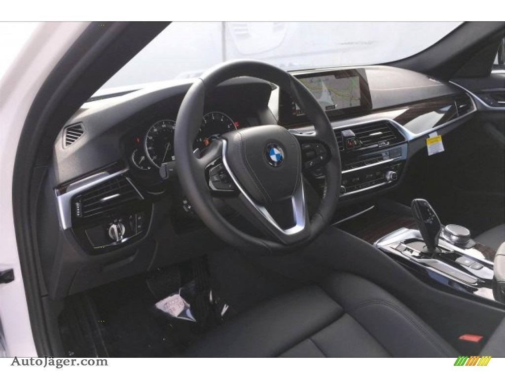 2019 5 Series 530i Sedan - Alpine White / Black photo #4
