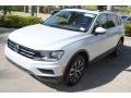 Volkswagen Tiguan SE White Silver Metallic photo #4