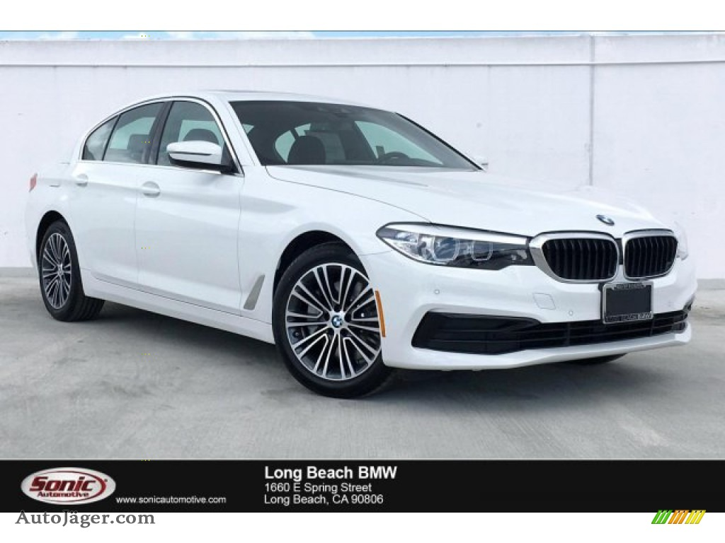 2019 5 Series 530i Sedan - Alpine White / Black photo #1