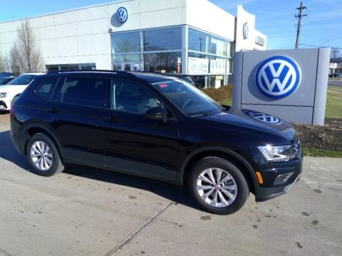 Deep Black Pearl 2020 Volkswagen Tiguan S 4MOTION