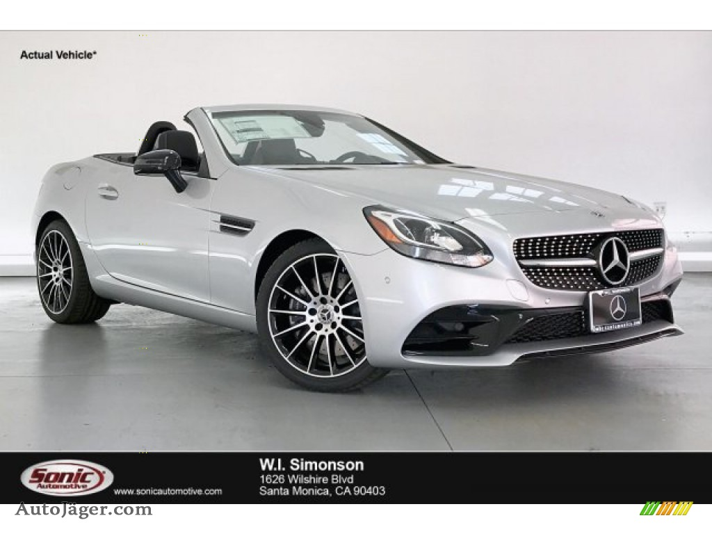 Iridium Silver Metallic / Black Mercedes-Benz SLC 300 Roadster