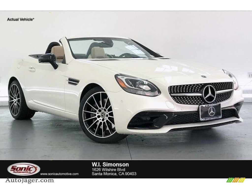 designo Diamond White Metallic / Sahara Beige Mercedes-Benz SLC 300 Roadster