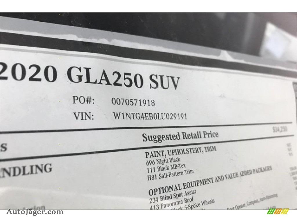 2020 GLA 250 - Night Black / Black photo #11
