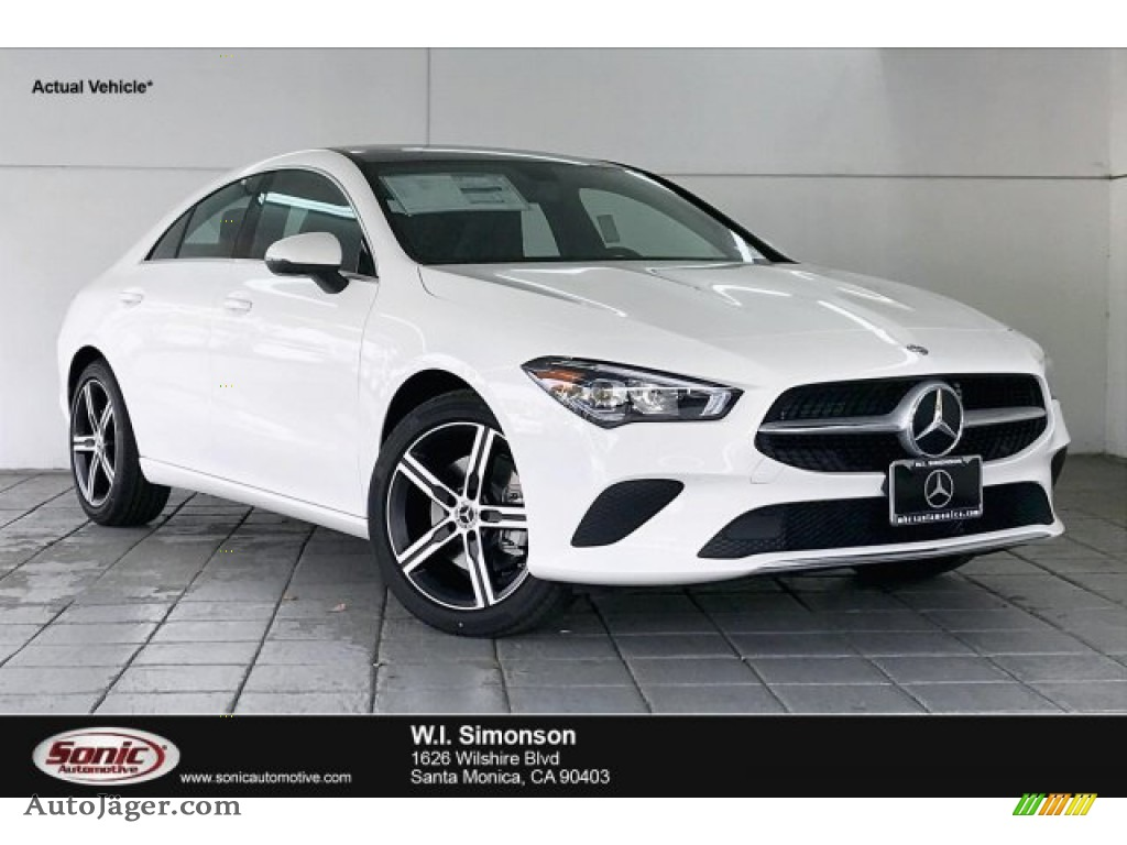 Polar White / Black Mercedes-Benz CLA 250 Coupe