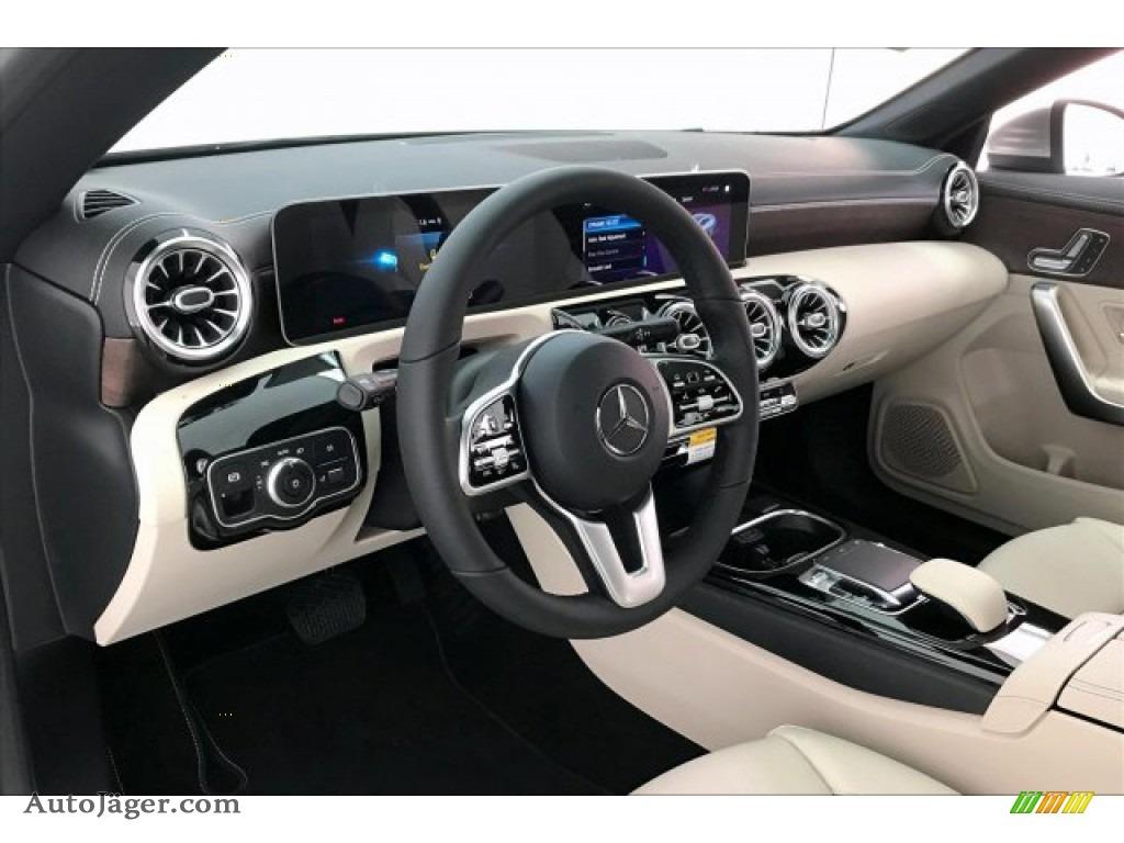 2020 CLA 250 Coupe - Mojave Silver Metallic / Macchiato Beige photo #4