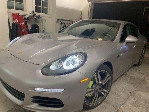 GT Silver Metallic 2014 Porsche Panamera S E-Hybrid