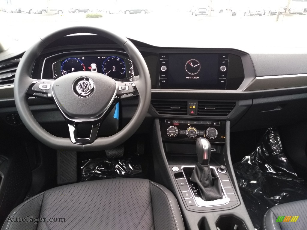 2020 Jetta SEL Premium - Platinum Gray Metallic / Titan Black photo #4