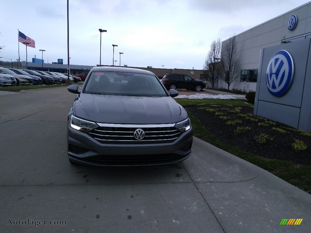 2020 Jetta SE - Platinum Gray Metallic / Titan Black photo #1