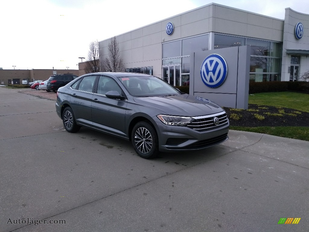 2020 Jetta SE - Platinum Gray Metallic / Titan Black photo #2