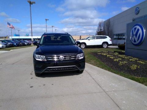 Deep Black Pearl 2020 Volkswagen Tiguan SE 4MOTION