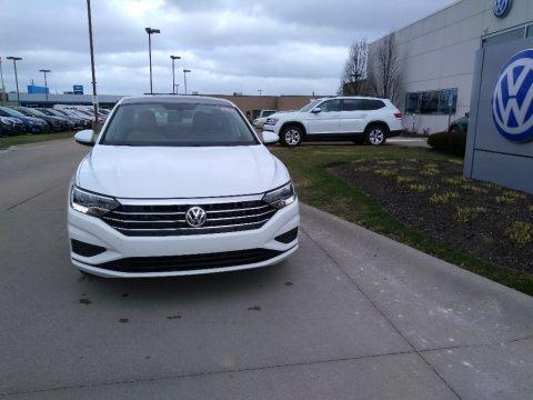 Pure White 2020 Volkswagen Jetta SE