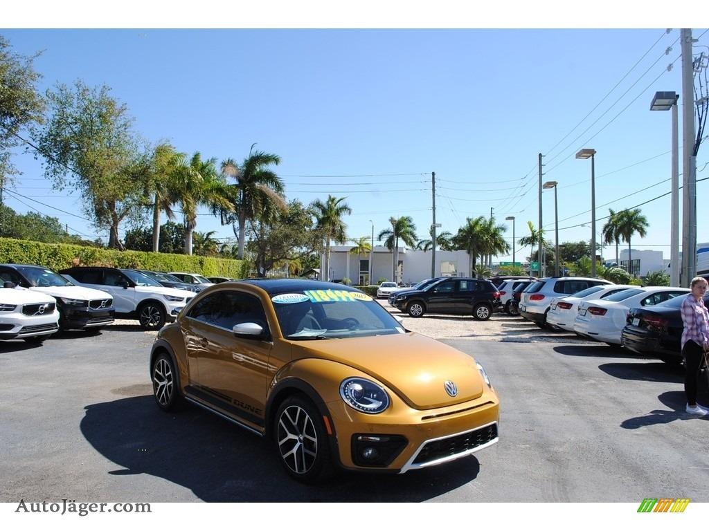 2017 Beetle 1.8T Dune Coupe - Sandstorm Yellow Metallic / Dune Gray/Black photo #1