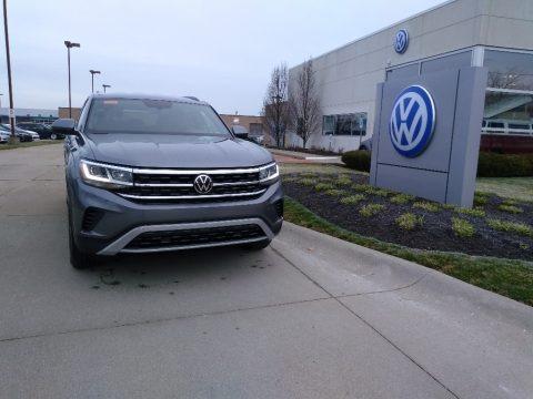 Platinum Gray Metallic 2020 Volkswagen Atlas Cross Sport S 4Motion