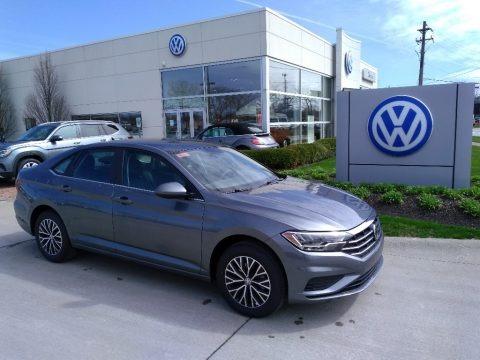 Platinum Gray Metallic 2020 Volkswagen Jetta SE