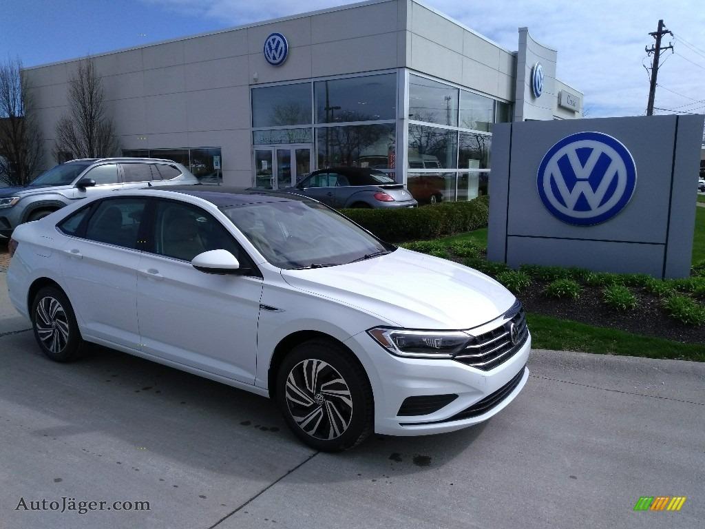 Pure White / Dark Beige Volkswagen Jetta SEL
