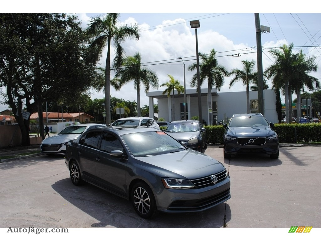 2017 Jetta SE - Platinum Gray Metallic / Titan Black photo #1
