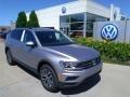 Volkswagen Tiguan SE 4MOTION Pyrite Silver Metallic photo #1